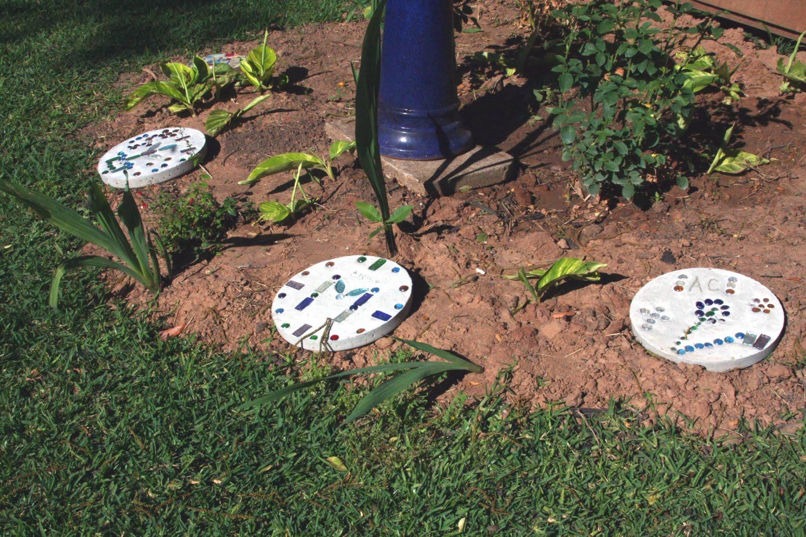 The Creamer Chronicles: Memorial stones for the garden