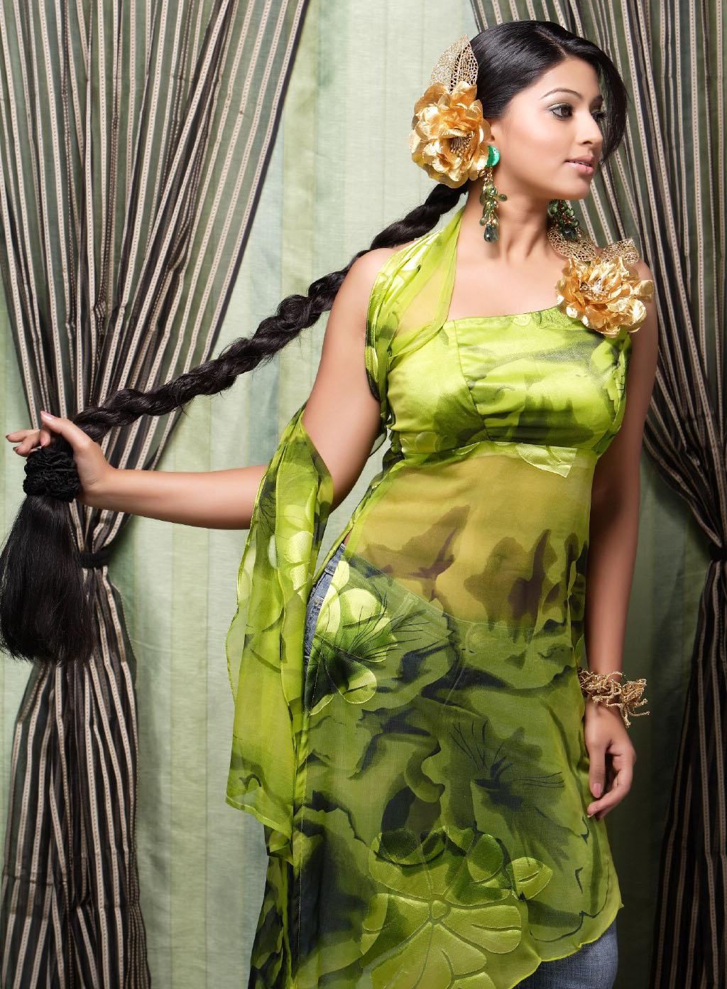 http://2.bp.blogspot.com/_A5Dr1aGmzeg/TTkW9cPk0PI/AAAAAAAAAGQ/6fyGKRMgkkU/s1600/SNEHA+HOT++www.indiancinemagallery4u.blogspot.com.jpg