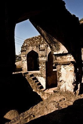 Posted by Vibha Malhotra : Madan Mahal - Watch Tower of the Past : Simple but Stable Construction in Black Ignous Rocks