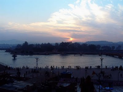 Posted by Vibha Malhotra on PHOTO JOURNEY : Journey to Haridwar - Har ki Paudi: Sunrise at Harki Paudi @ Har ki Paudi, Haridwar