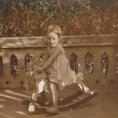 """""""El meravellós de la infància és que qualsevol cosa en ella és meravellosa."""" Gilbert Keith Chestert"""