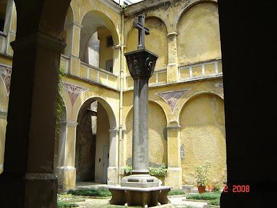 Pátio interno do Convento do Carmo de Santos - foto de Emilio Pechini - clique aqui para ver a foto no Panoramio.com
