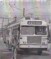 - Trolebus FIAT trafegando na avenida Conselheiro Nébias - Foto de Arquivo de A Tribuna, Reproduzida na edição de A TRIBUNA de Santos - 12/08/2008