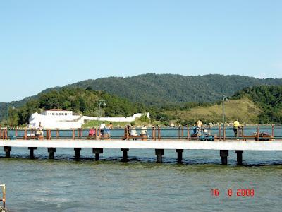 Deck do Pescador - Ponta da Praia - Santos - SP - Brasil - 16-Ago-2008 - Foto de Emilio Pechini