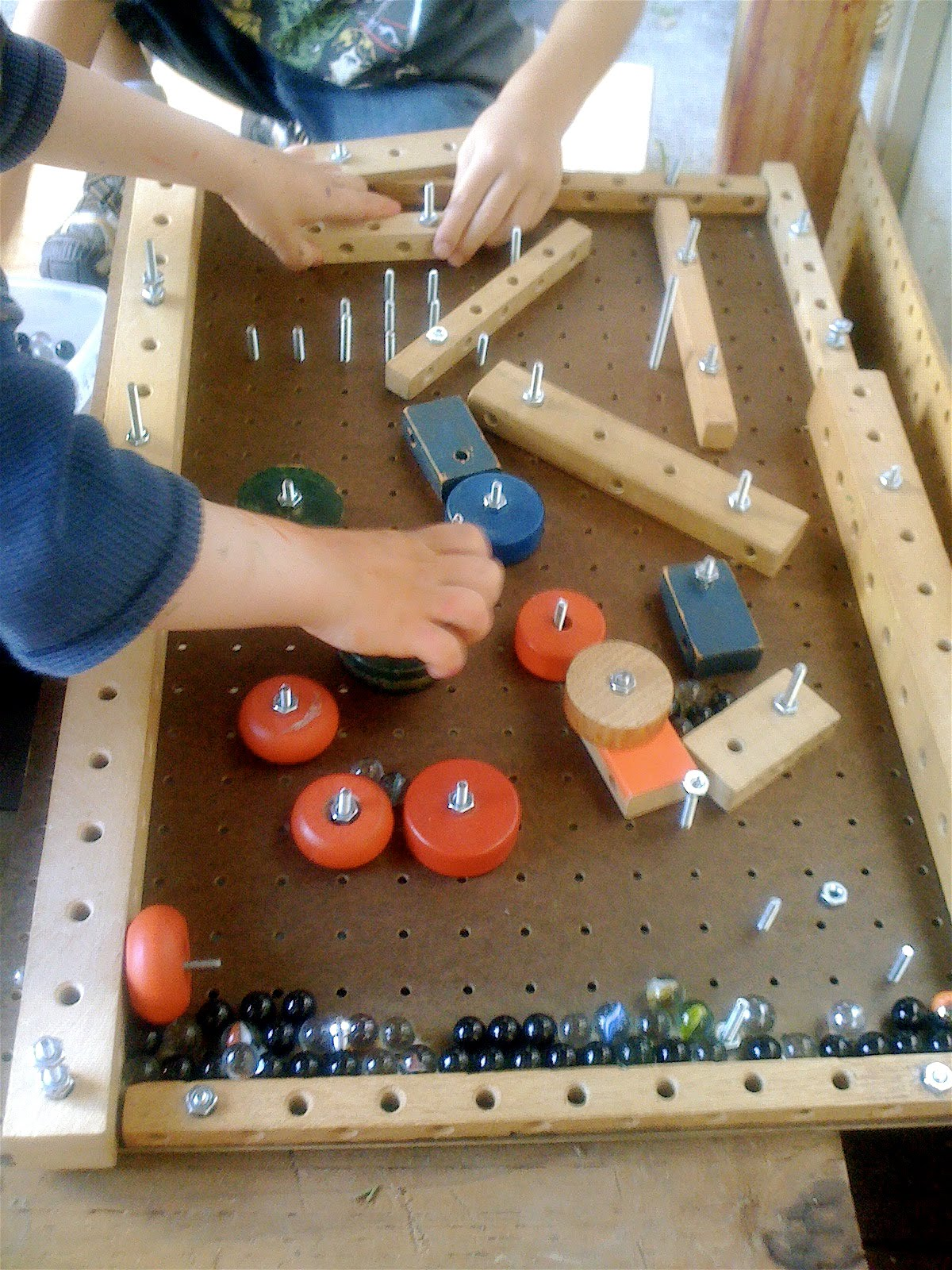 Teacher tom a homemade pinball machine for Homemade diy