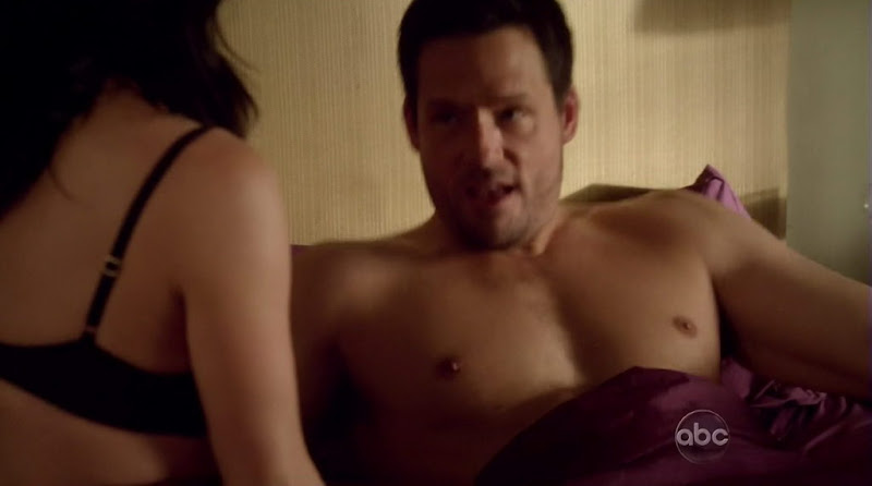 Josh Hopkins Shirtless on Cougar Town s1e22