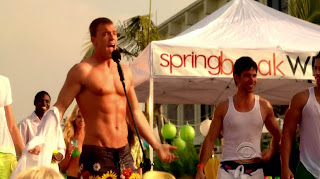 Alan Ritchson Shirtless on CSI Miami s8e19