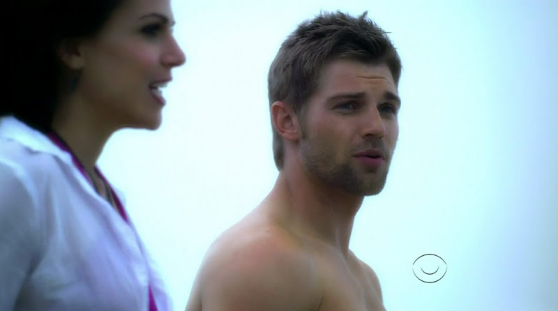 Mike Vogel on Miami Medical s1e04 - Shirtless Men at groopii