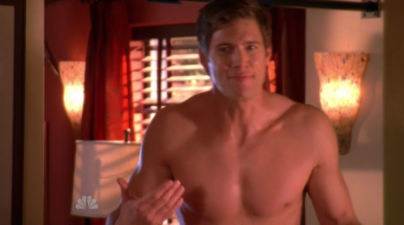 Ryan McPartlin Shirtless on Chuck s3e14