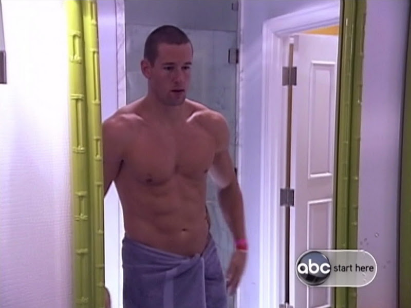 Taylor Bills Shirtless on True Beauty s2e01