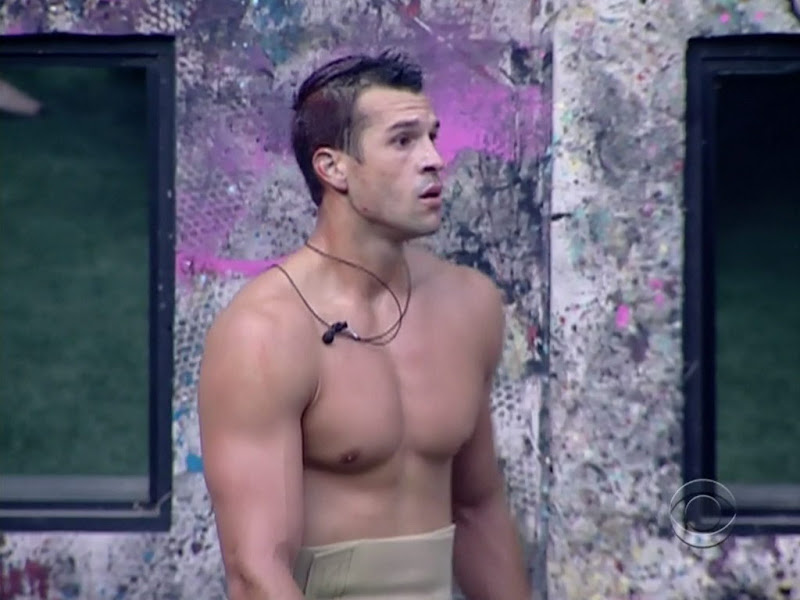 Brendon Villegas Shirtless on Big Brothers 12 week 5