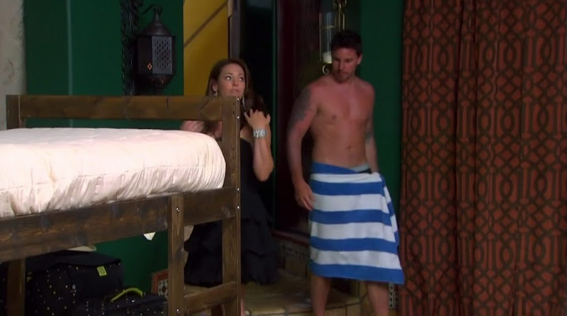 Wes Hayden Shirtless on Bachelor Pad s1e04