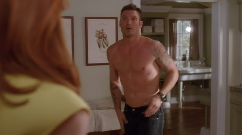 Brian Austin Green Shirtless on Desperate Housewives s7e02