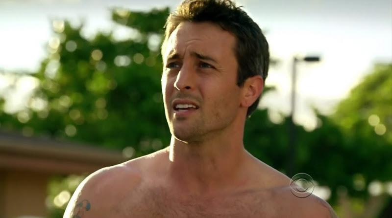 Alex O'Loughlin Shirtless on Hawaii Five-0 s1e07
