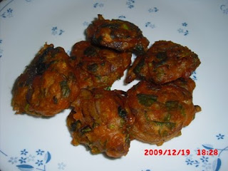 methi-onion-pakoda