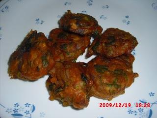 methi-onion-pakoda