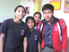 junto a alumnas de primer año