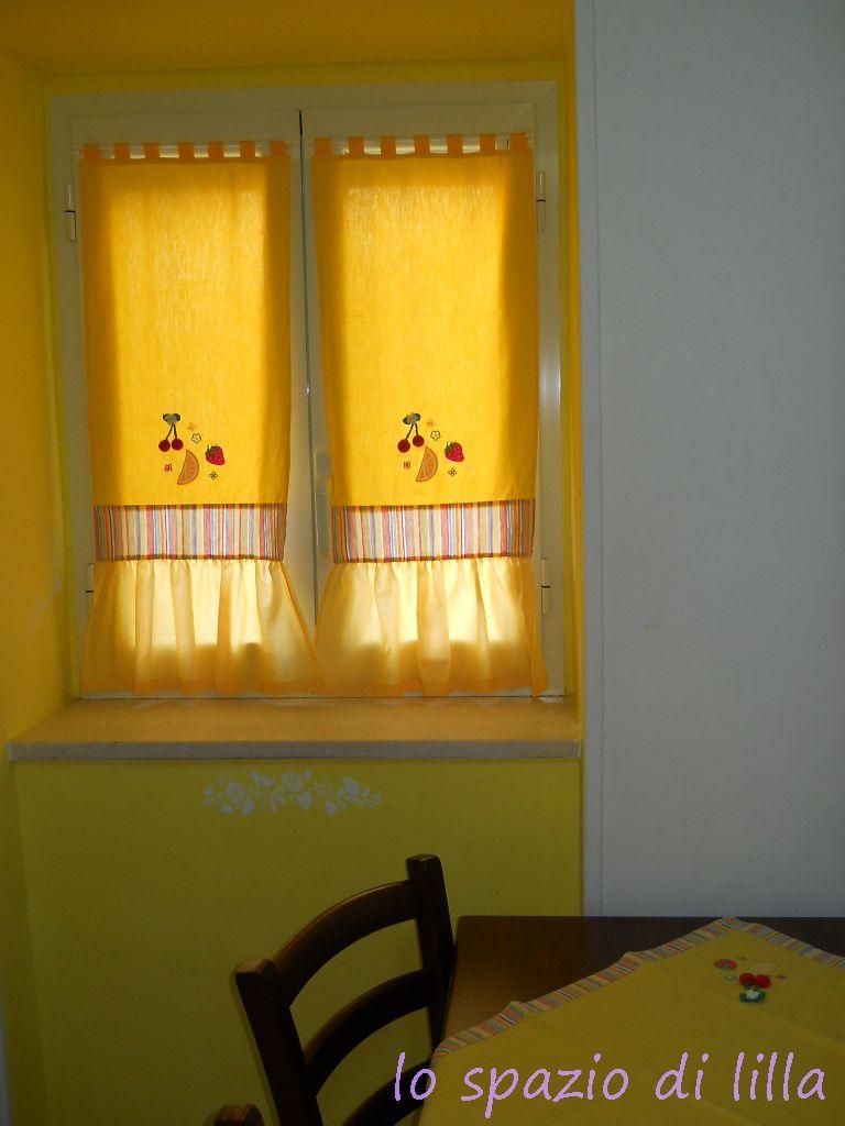 Lo spazio di lilla una coppia di tendine per la cucina - Tendine per cucina ...