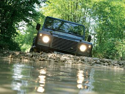 Land Rover Defender Standard Resolution Wallpaper 4