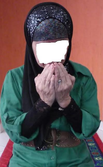 Hijab Styles Hijab Pictures Abaya Hijab Store Fashion Tutorials Women Doing Dua In Black Hijab