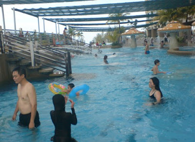 My four little gems gurney hotel gurney drive penang part v for Gurney hotel penang swimming pool