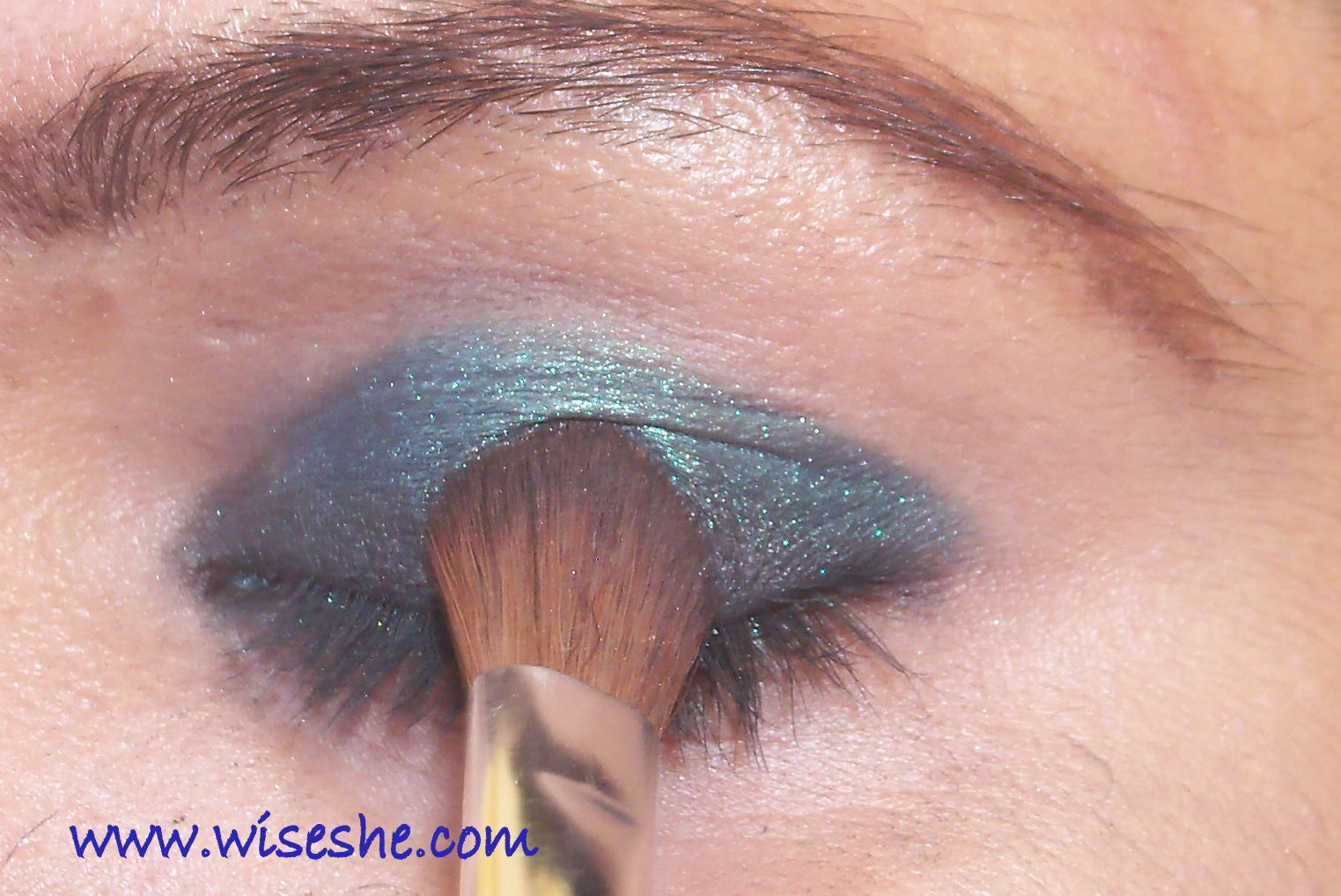 how to put on eyeshadow properly pictures