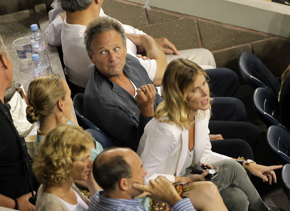 fleetwood mac news lindsey buckingham and wife kristen