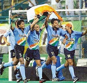 HOCKEY-national game or national shame!!!???