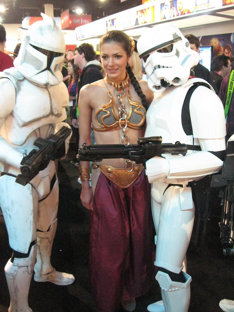 Adrianne Curry at SDCC 2010.