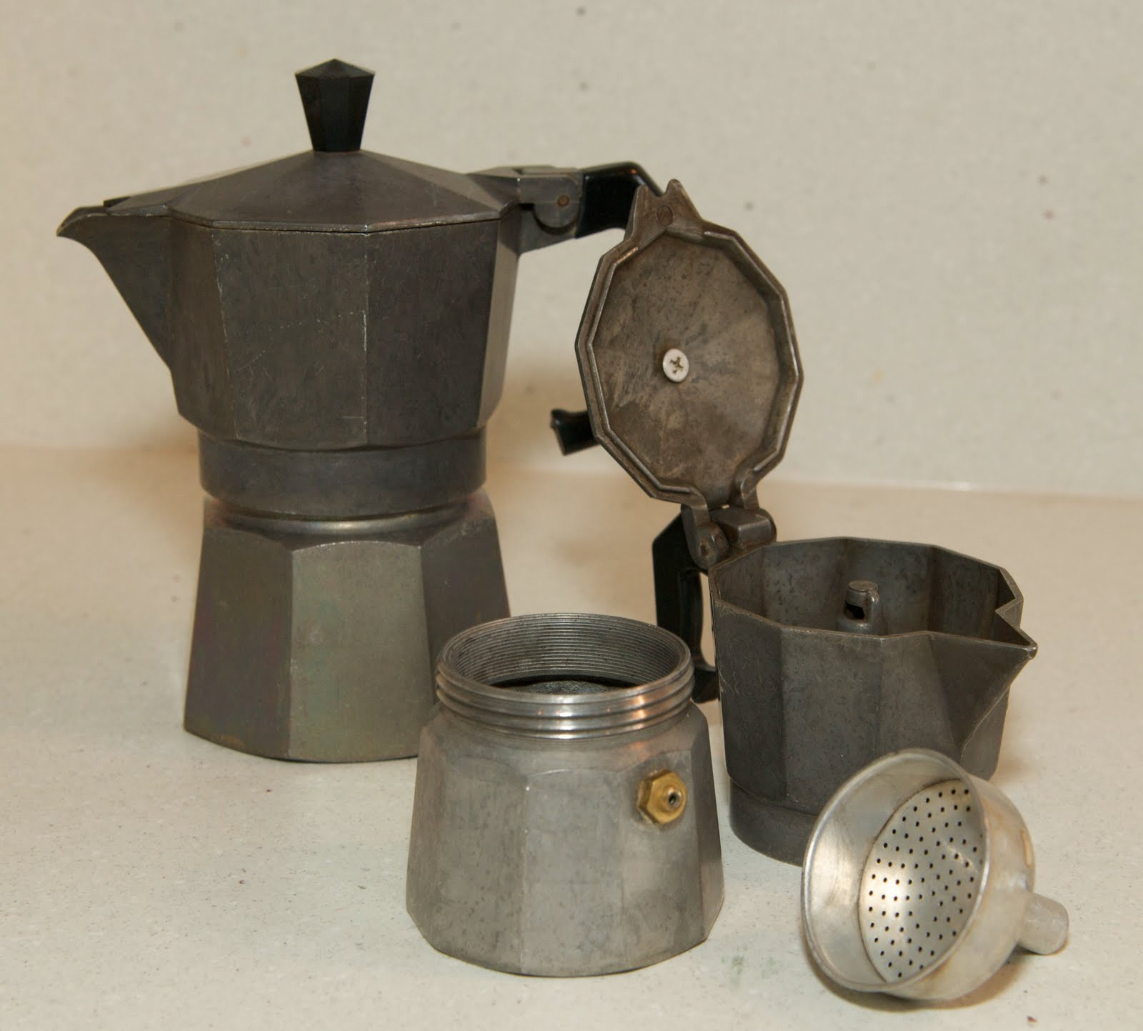 Betty Crapper: Giveaway, Stovetop Espresso Maker & Cuban Coffee