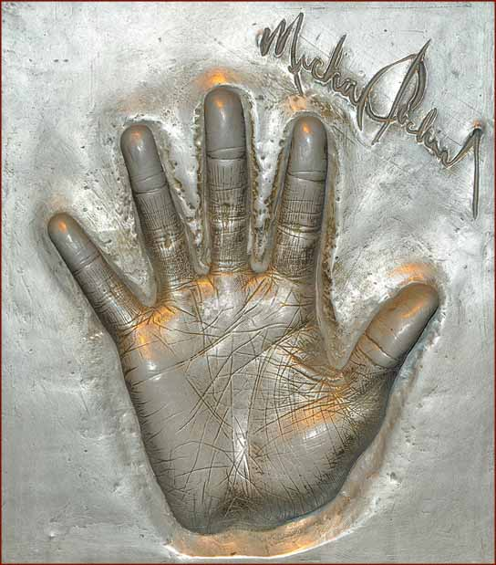 Las manos de Michael Michael-jackson-hand-cast-2