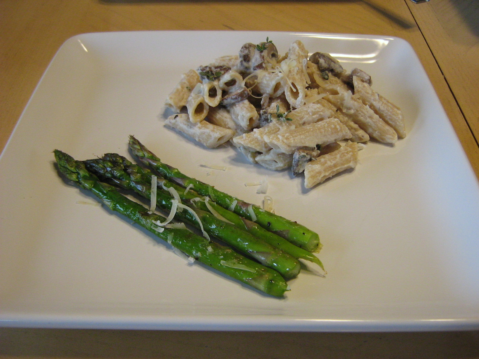 Penne With Asparagus And Mushrooms In A Gorgonzola Sauce Recipes ...