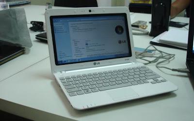 LG X140 10-Inch Netbook