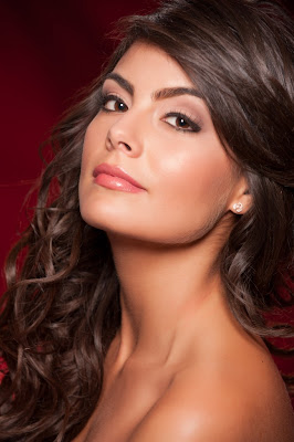 Jimena Navarrete Facial Hair Captured in Photo