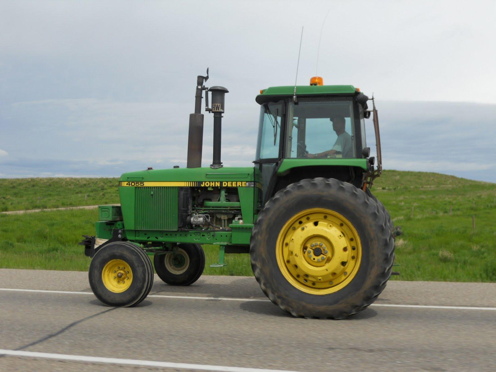 La DGT enfada a los profesionales del campo con su nueva idea para tractores