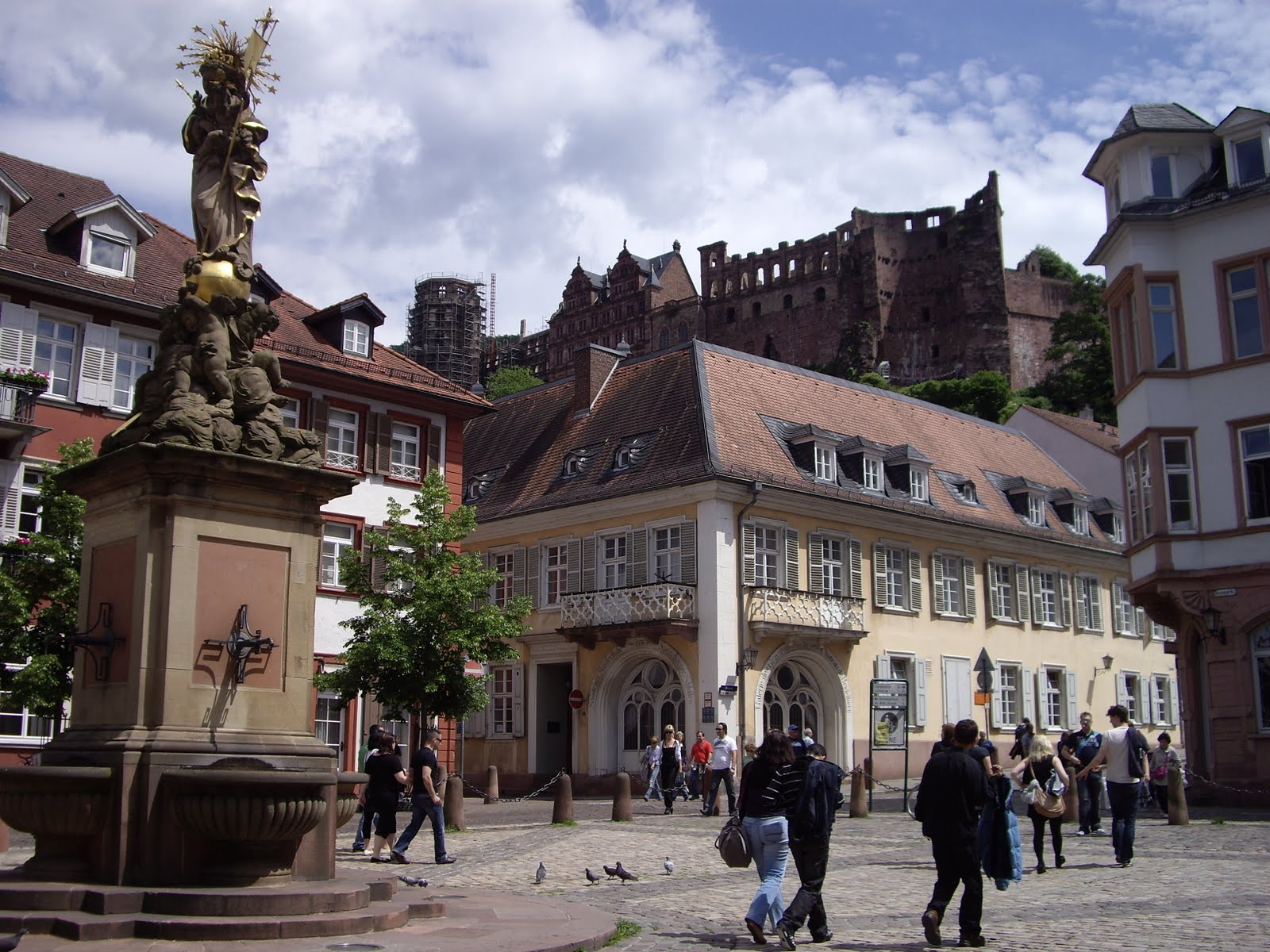 markt at the markt the old town square is the amazing heiliggeistkirche 1398 1441 a gothic. Black Bedroom Furniture Sets. Home Design Ideas