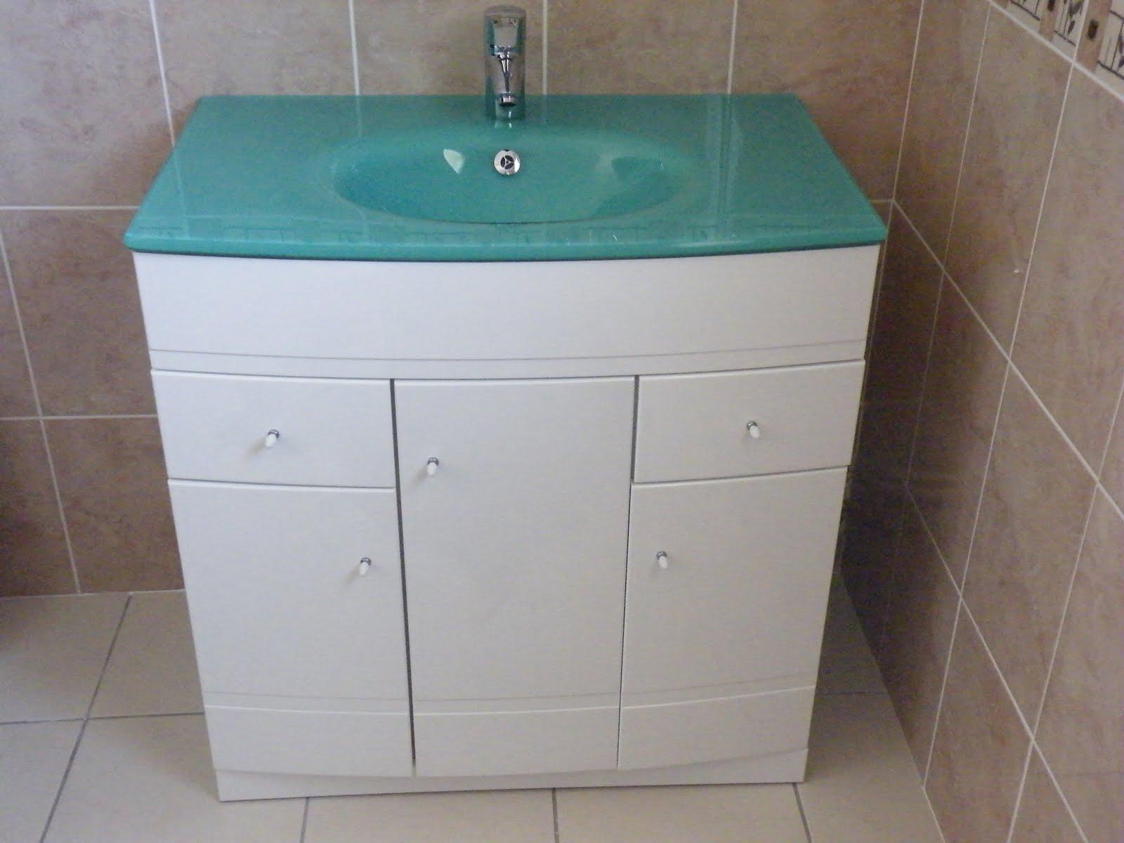 notre maison par babeau seguin dijon montage du meuble de la salle de bain. Black Bedroom Furniture Sets. Home Design Ideas