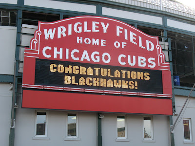 wrigley field blackhawks marquee