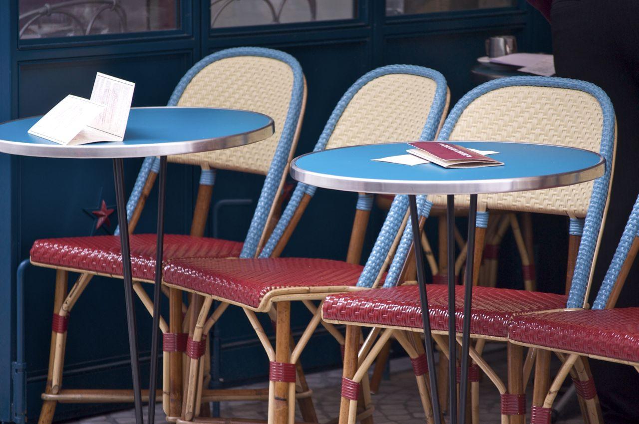 vintage yankee: Parisian Bistro Chairs