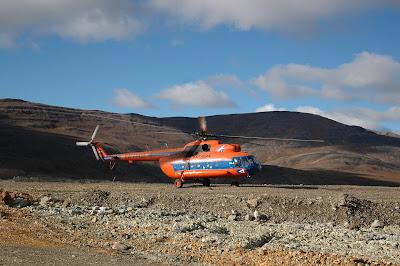 Вертолет-прилетели на Чукотку