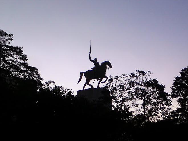 monumento em homenagem ao Duque de Caxias, de Vitor Brecheret, na Praça Princesa Isabel.