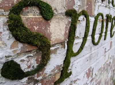 green graffiti, alphabet graffiti