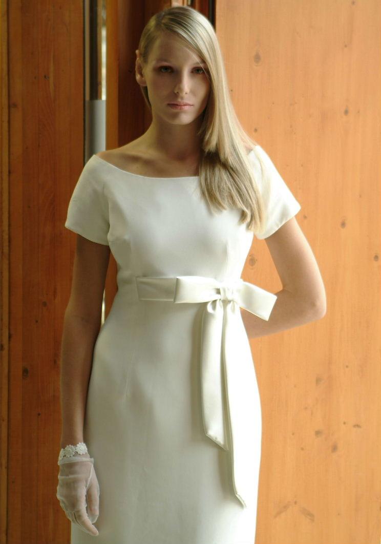 Polgári esküvői viselet - a la Makány Márta. Posted by Makany Marta at 18 45 acfc49806f