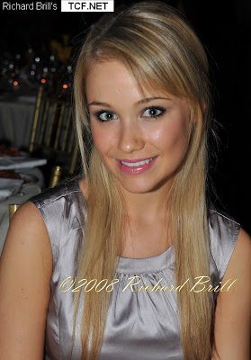 Continental Acura on Coolpicturegallery  Katrina Bowden American Actress