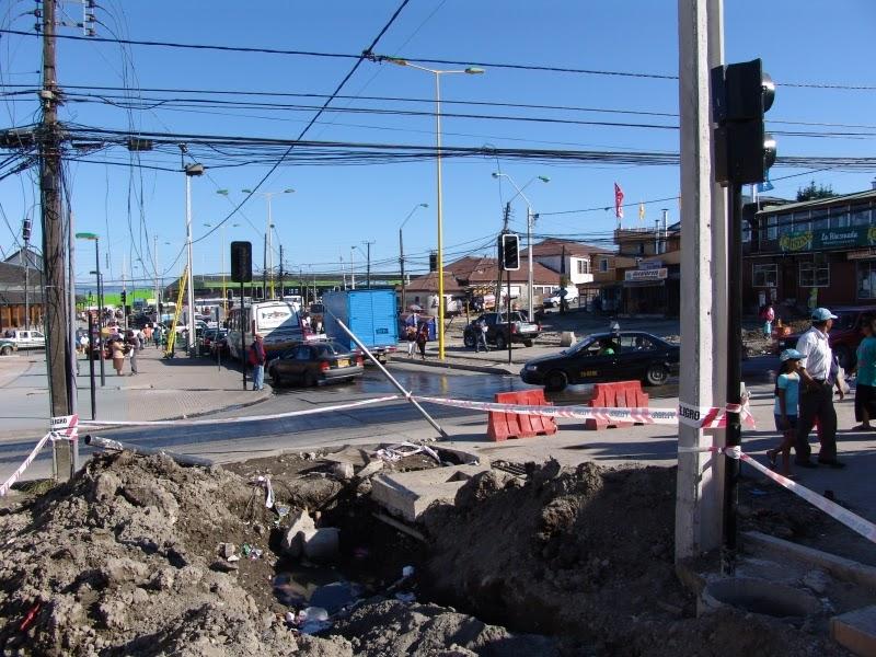Alcalde emplaza a empresas de electricidad y telefon a a for Empresas de electricidad en sevilla