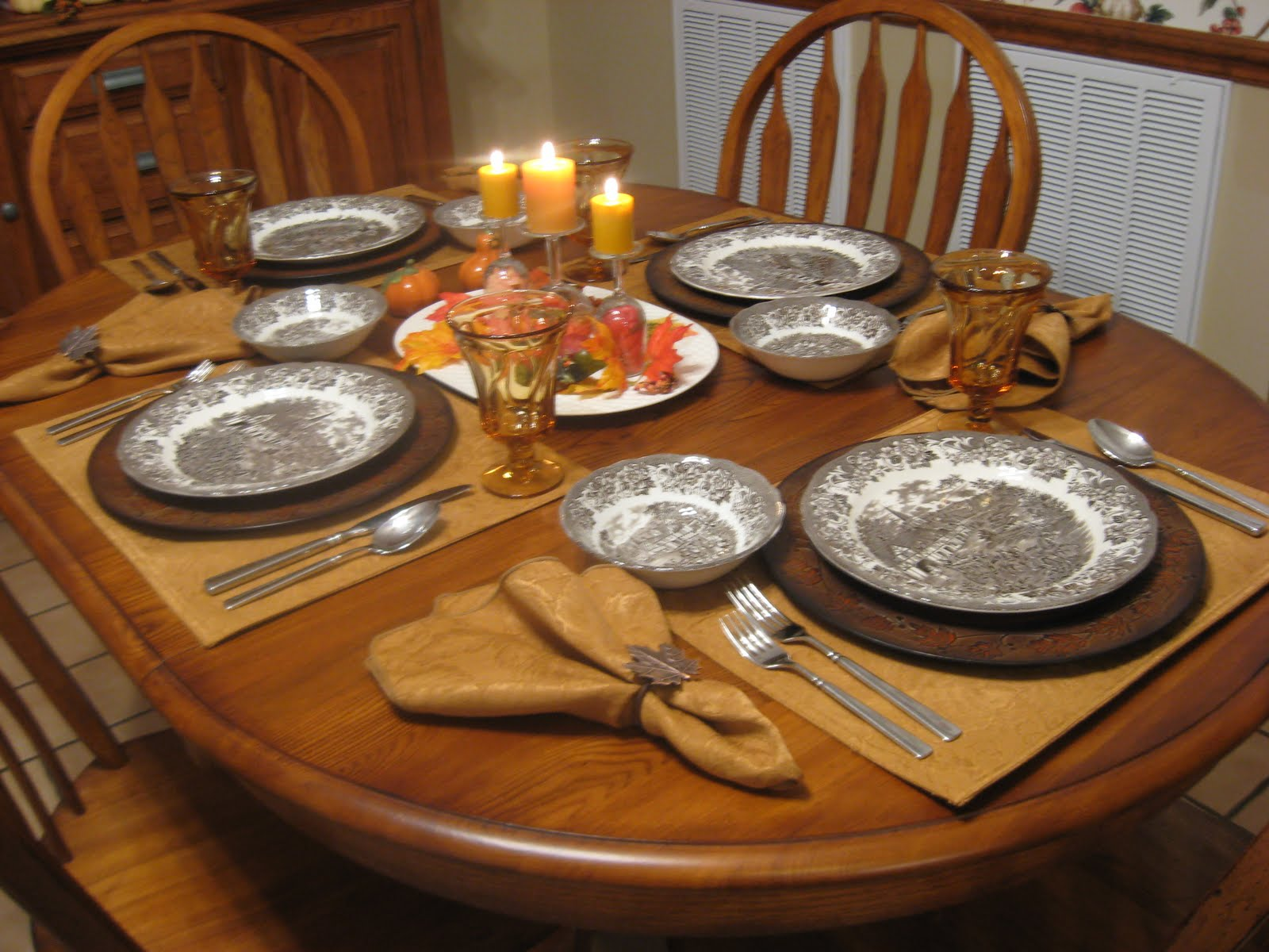 Busy at home stratford stage goes casual for Everyday kitchen table setting ideas