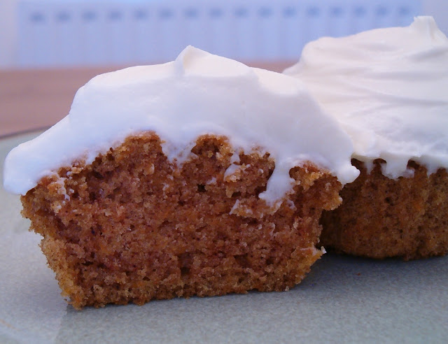 Carrot Cupcakes with Cream Cheese Frosting | Maple ♥ Spice