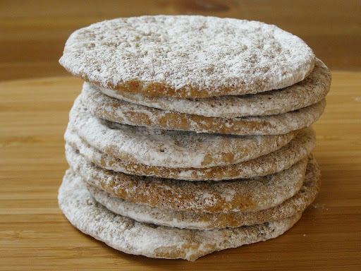 Vegan sugar and spice cookies