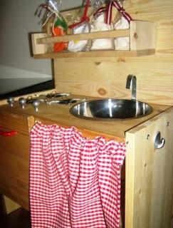 La Bottega di Chicca: Da un comodino ikea ad una cucina giocattolo