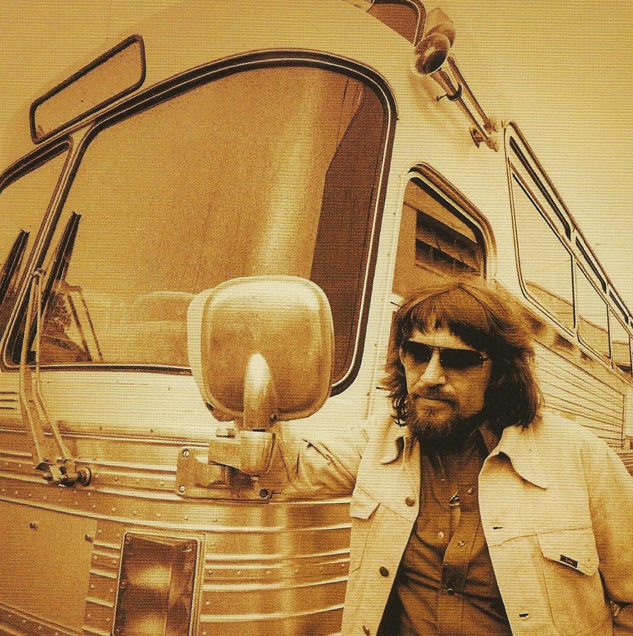 Mostly Random Photos, eh?: Waylon Jennings with bus